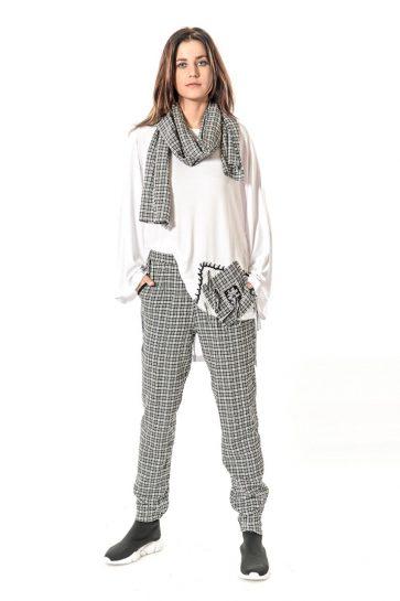 bc153c9dfdf43 Bu senenin ön plana çıkan etnik pantolon modellerine bir göz atalım: